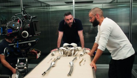 Alex-Garland-Ex-Machina-2-700x402
