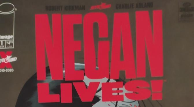 Negan lives! Robert Kirkman y Charlie Adlard, al rescate de las librerías de comics
